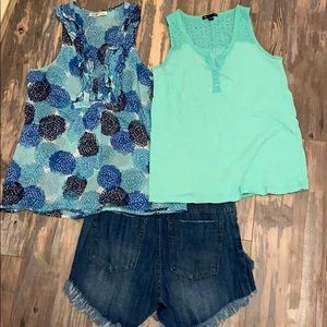 2 blue green tank tops size S & XS Gap & Old Navy